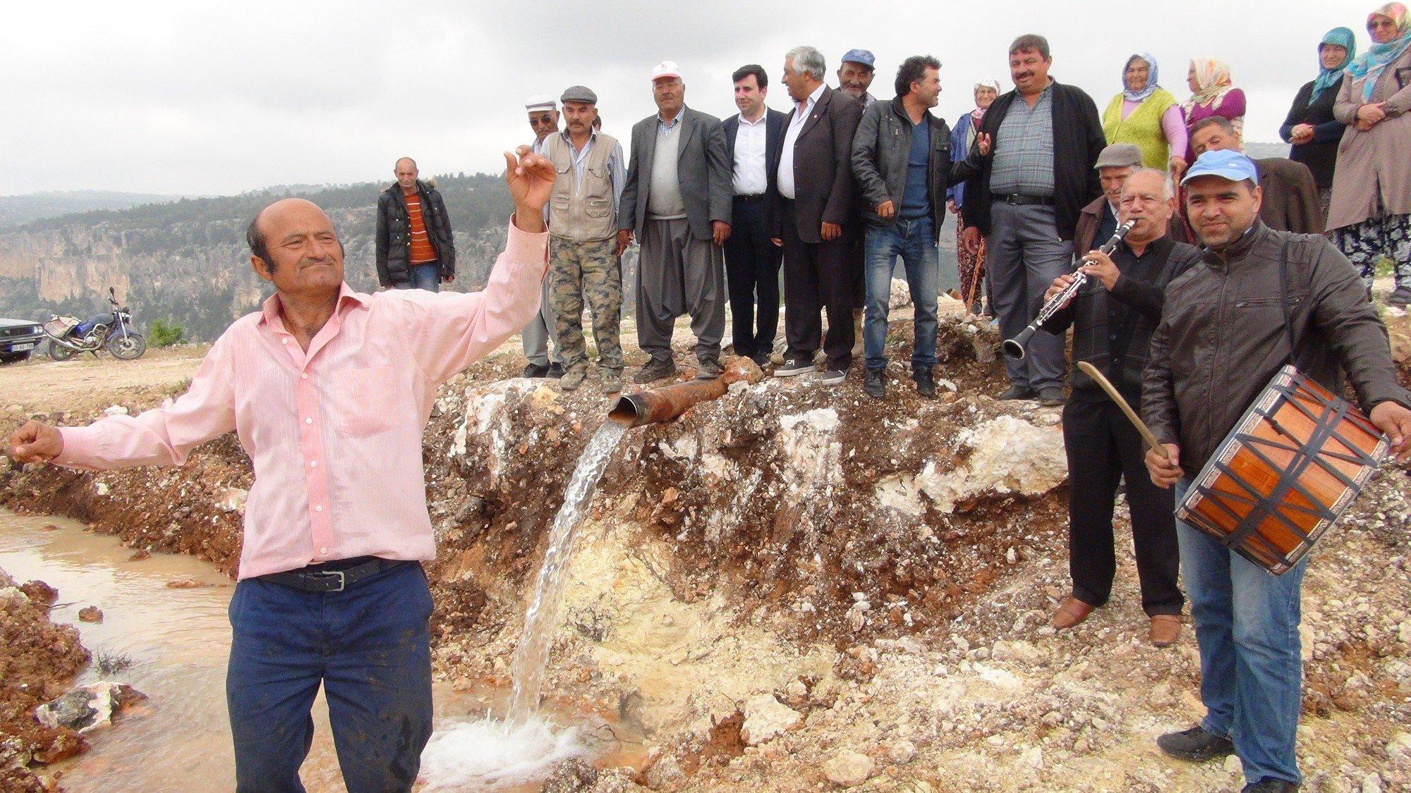 50 yıllık su hasreti biten köylülerin sevinci
