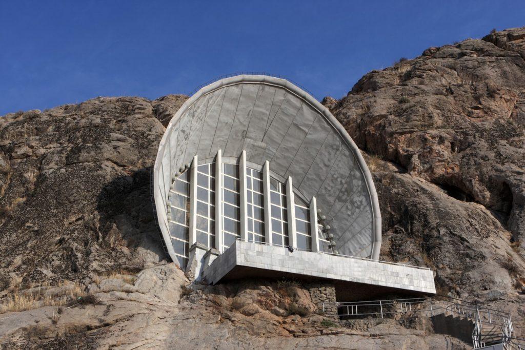 Osh süleyman dağı mağara
